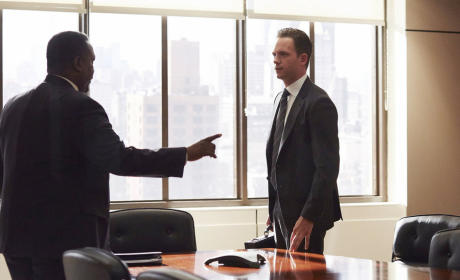 Suits Photo Preview: Differences of Opinion