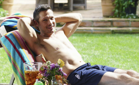 Revenge Season 4 Episode 21 Photos: Shirtless Jack Porter Alert!