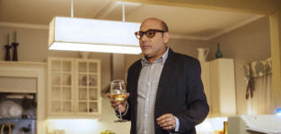 Willie Garson as Mozzie  - White Collar Season 6 Episode 3