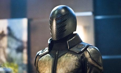 Exoskeleton Man - Arrow Season 4 Episode 17