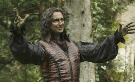 Whose Side is Rumpelstiltskin On? - Once Upon a Time Season 5 Episode 1