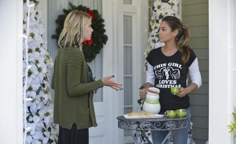 Fields Beverage Service - Pretty Little Liars Season 5 Episode 12