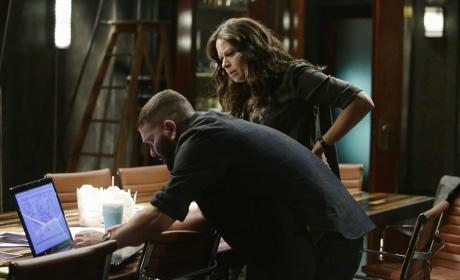Quinn And Huck At Work - Scandal Season 4 Episode 11