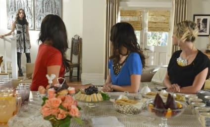 Pretty Little Liars Season Finale Pics: Returning Home