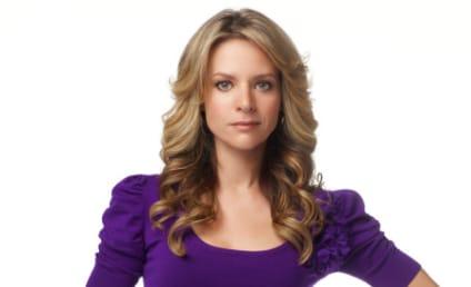 TV Fanatic Talks to Glee Star Jessalyn Gilsig!