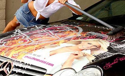 Gretchen Rossi Scrubs Herself Clean