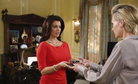 Mellie and Elizabeth - Scandal Season 4 Episode 11