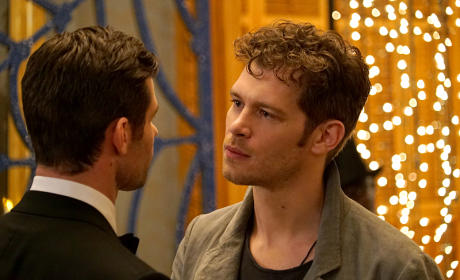 Staring Down Elijah - The Originals Season 3 Episode 4