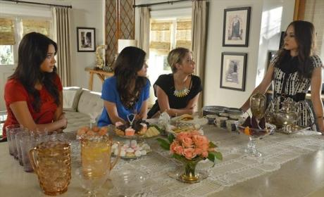 Pretty Little Liars Season 3 Finale Photo