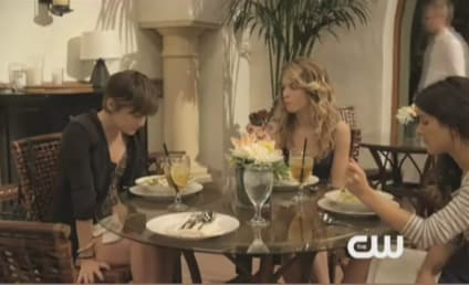 90210 Sneak Peek: Girls Weekend!