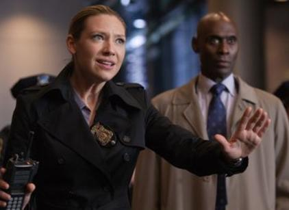 Watch Fringe Season 4 Episode 10 Online