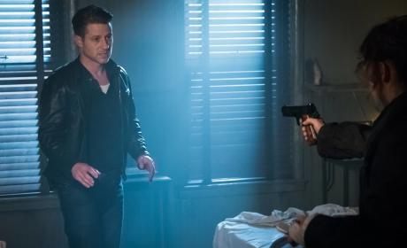 Jim in Trouble...Again - Gotham Season 3 Episode 3