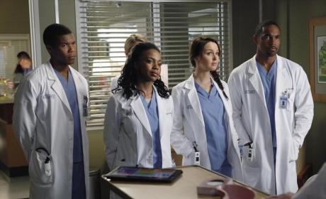 Grey's Anatomy Photo Gallery: Juggling Two Worlds
