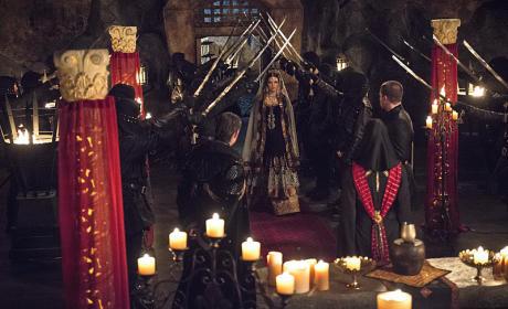 Here Comes the Bride - Arrow Season 3 Episode 22