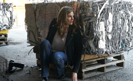 Beckett Looks Scared - Castle Season 8 Episode 22