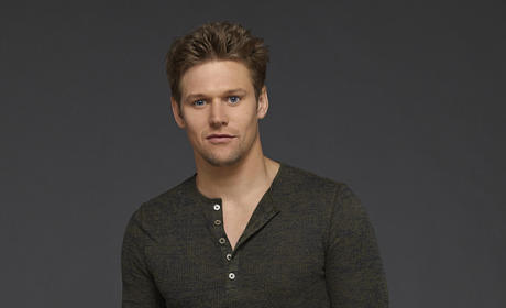 Zach Roerig Promo Image - The Vampire Diaries
