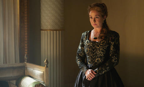 Catherine de Medici - Reign Season 3 Episode 1