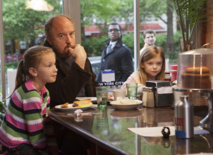 Watch Louie Season 3 Episode 4 Online