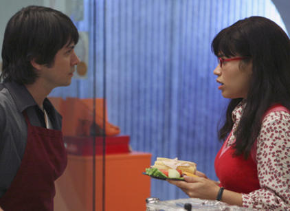 Watch Ugly Betty Season 2 Episode 3 Online