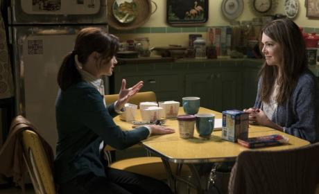 Gilmore Girls: A Day in the Life - Amy Sherman-Palladino Worried about Spoilers