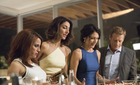 Girlfriends' Guide to Divorce Season 2 Episode 10 Review: Rule #36: If You Can't Stand the Heat, You're Cooked