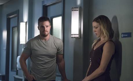 Out in the Open - Arrow Season 4 Episode 5