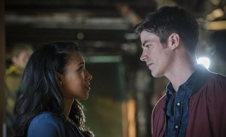 In on the Secret - The Flash Season 3 Episode 1