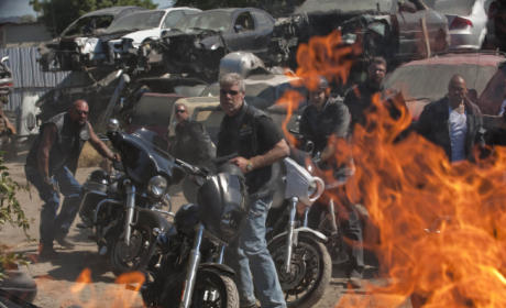 "Sons of Anarchy Review: ""Fa Guan"""