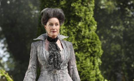 The Evil Stepmother - Once Upon a Time Season 6 Episode 3