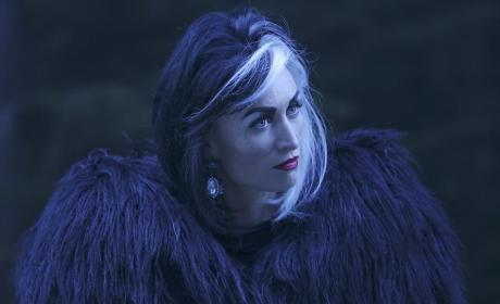 Recruiting Cruella - Once Upon a Time Season 4 Episode 13