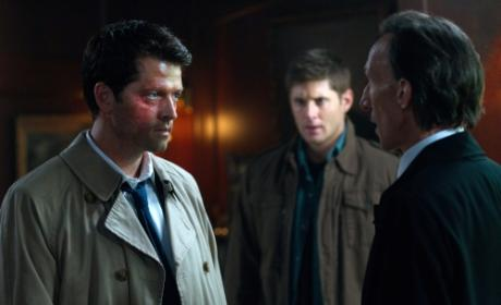 Supernatural Season 7 Premiere Photos: Death vs. Castiel