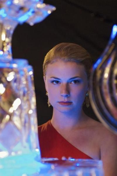 Emily Thorne Pic