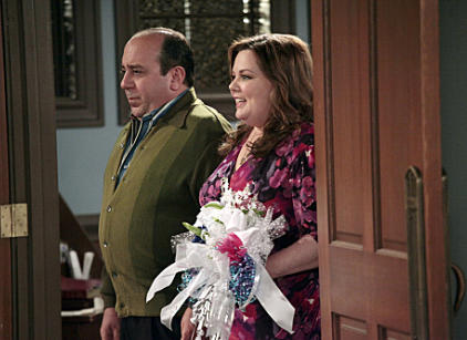 Watch Mike & Molly Season 2 Episode 22 Online