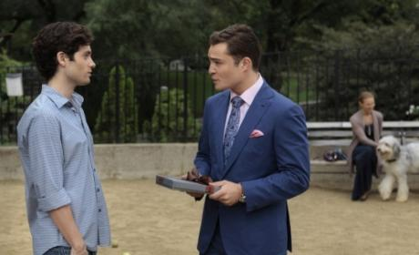 Gossip Girl Photo Preview: Chuck at the Dog Park?!