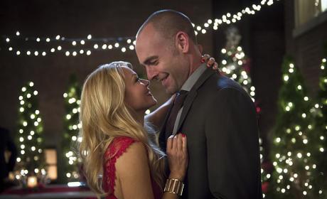 New Couple - Arrow Season 4 Episode 9