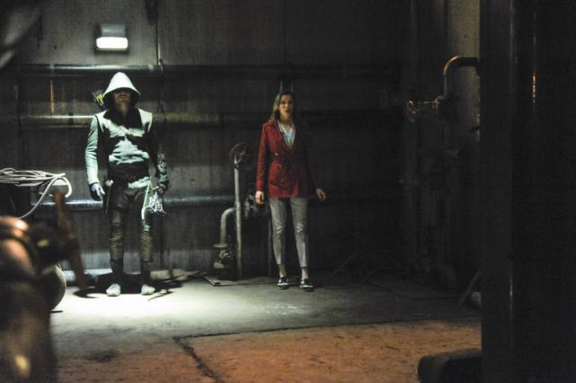 Arrow and Laurel Against an Army