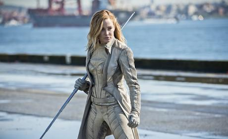 Watch DC's Legends of Tomorrow Online: Season 1 Episode 16