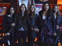 Pretty Little Liars Season 4 Episode 24