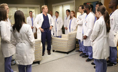 Owen Teaches a Tough Lesson - Grey's Anatomy Season 12 Episode 4