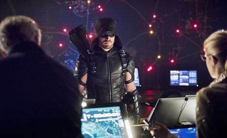 Arrow Season 4 Episode 21 Review: Monument Point