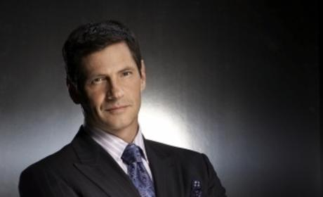 Glee Scoop: Thomas Calabro Cast as Puck's Dad!