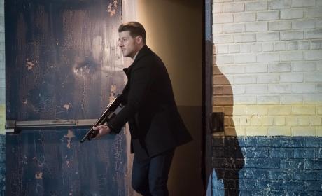Watch Gotham Online: Season 2 Episode 19