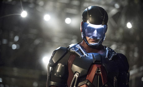 The CW Orders Arrow/Flash Spinoff Legends of Tomorrow, Cordon and Crazy Ex-Girlfriend to Series