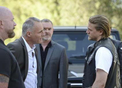 Watch Sons of Anarchy Season 6 Episode 4 Online