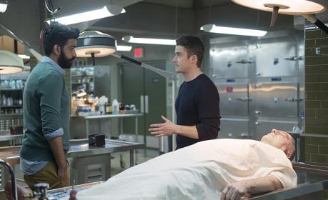 Help Me Ravi - iZombie Season 2 Episode 17