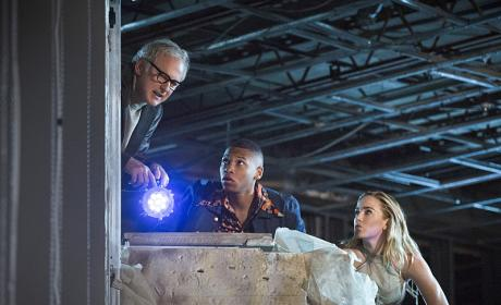 DC's Legends of Tomorrow Season 1 Episode 2 Review: Pilot, Part 2