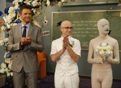 Watch Community Season 4 Episode 13 Online