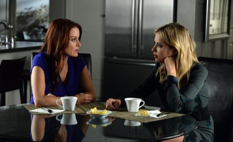 Mother Daughter Bonding - Pretty Little Liars Season 5 Episode 22
