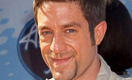 Elliott Yamin to Welcome Home Navy Officers