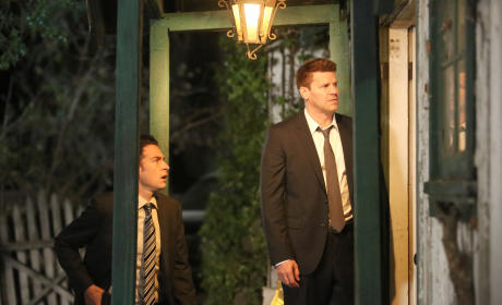 Booth and Aubrey Follow a Lead to a Remote Location - Bones Season 10 Episode 6